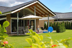 Wohnen Sie in unseren 5 Sterne Wellness Ferienhäusern.
