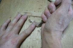 カッコウ手彫り中