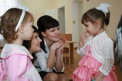 знакомство  воспитателя М.Е.Семенкиной с воспитанниками
