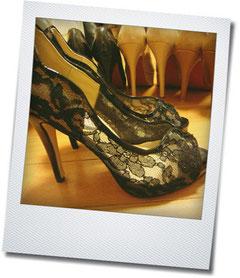 ジミーチュー。究極、靴さえかわいければfashionは〇なのがずるい。道の溝をなんとかしてほしいものです