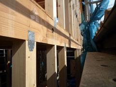 無垢の木でつくる 台東区 木造3階建て耐火建築物 構造金物取付け画像2