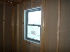 無垢の木でつくる 台東区 木造3階建て耐火建築物 サッシ取付け画像3