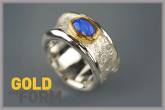 COSY RING mit Opal in Gelbgoldfassung