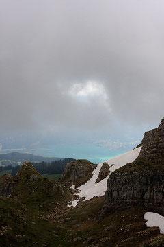 Ciel de montagne se chargant en nuage...