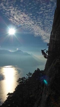 Klettern und Abseilen am Sunneplättli.