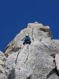 Beim Klettern mit Bergschuhen wird der 5. Grad...