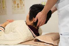 首こり、肩こりの施術写真1