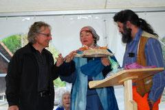 Pius Häfliger dankt Regula Farner, Menel Rachdi