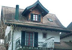 Rundholzschneefang: Dekorativ bei Gebäuden im Landhausstil.
