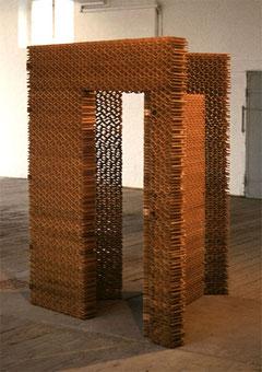 «Klappraum III», 1989, Polyesterharz, 200 x 150 x 12,5 cm (je äußere Wand)