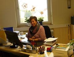Ihre Ansprechpartnerin in unserem Schulsekretariat: Frau Peter
