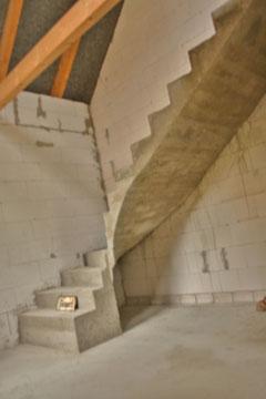 Fertig ausgeschalte Treppe