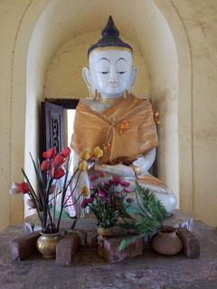 Bouddha à Bagan, Birmanie