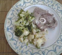 Gigot d'agneau brocolis pommes de terre