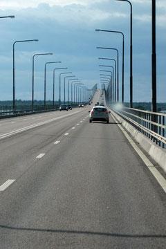 Die 6 Km lange Brücke zwischen Kalmar und der Insel Öland