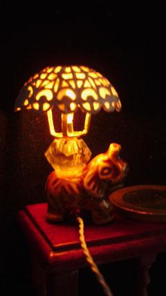 """Lámpara """"Elefante"""" de sobremesa"""