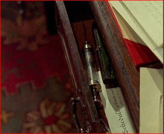 La seringue que Watson découvre