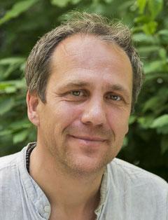 Thomas Manhartsberger - Körpertherapeut, spiritueller Coach und psychologischer Berater