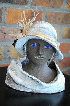 Jeune fille au chapeau, D.Petit