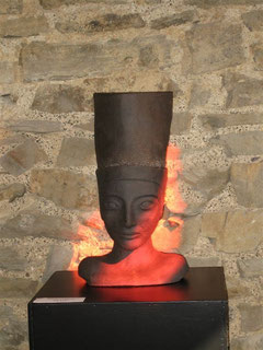 Photo de Néfertiti expo Chapelle de Hansez Olne