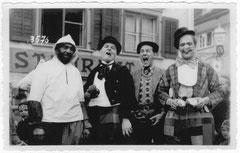 Kinderbescherun mit: Zeno Kamer, Karl Jütz, Kaspar Römer, Josef Meyer