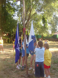 Izada de bandera en Puerto Casstilla