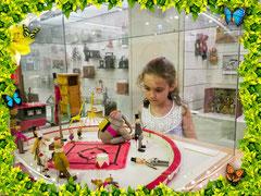 А если с Вами едут дети, пообещайте им после музея Дали посетить Музей игрушки в Фигейресе.