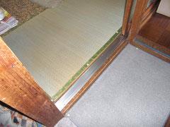 戸車と扉のレールの取替