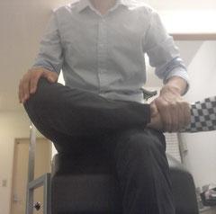 勉強のし過ぎで腰が痛い奈良県葛城市の男性