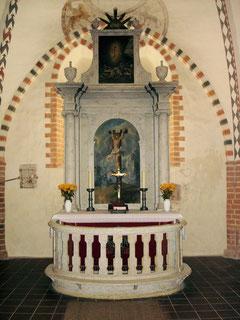Sakramentsschrank links vom Altar