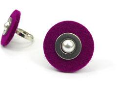 Magenta Filzring mit Perle