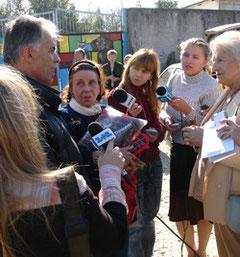 Christian Janatsch mit Reportern