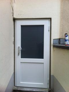 Nebeneingangstür ( Kellertür )