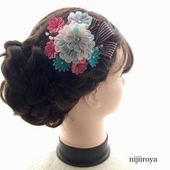 つまみ細工 髪飾り パステルカラーの花束 着画