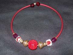 Collier avec du buna cord