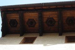 Rebord de toiture ouvragé