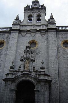 Eglise Sta Maria, XVIIe siècle, Extérieur baroque, intérieur gothique basque