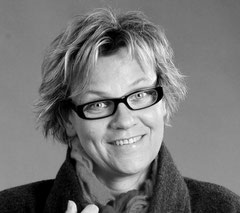 Alexandra Lanfer    - Dipl. Designerin -