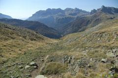 Le Camino de Santiago plonge vers la Mina.