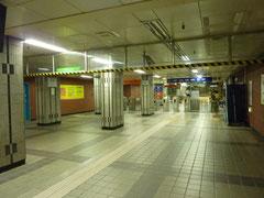 地下鉄改札口付近。地下鉄は乗りまくった。行き方とかを親切に教えてくれる人が何人もいて嬉しかった。