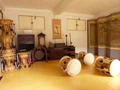 南山ゴル韓屋村に行くとたくさんの伝統楽器や工芸館もあった。