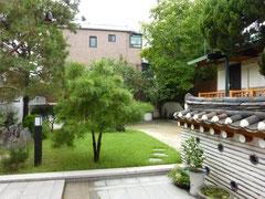 北村にある伝統家屋(ハノック)宿舎に一泊。