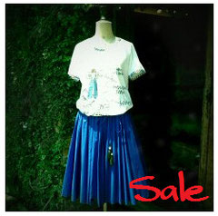 Tシャツ¥8400⇒40%OFF(ホワイト、sizeL)MARITHE FRANCOIS GIRBAUD  スカート¥21000⇒50%OFF(ブルー、size38)unaca ‐すべてSold out‐