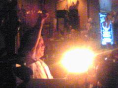 マスターのジンさん。光ってるのはケーキのロウソク。