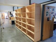 Schrankwand für Büromaterialien