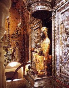 Экскурсия на Монсеррат, статуя черной Девы, черной Мадонны