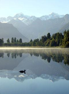 """""""Mirror Lake"""" (Lake Matheson, Neuseeland) - das Foto schaffte es gleich an meinem ersten Flickr-Tag auf Flickr Explore und das bis auf Platz 100!"""