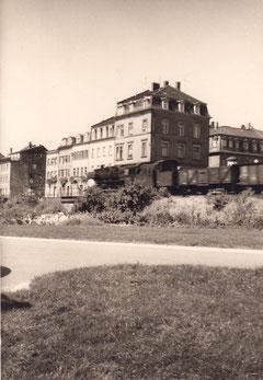 Dampflok mit Zug am Fischerrain in Schweinfurt