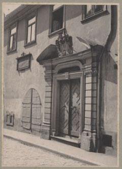 Das EingangsportaL um 1900