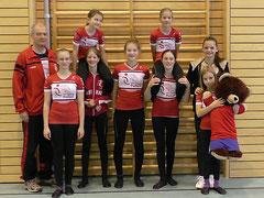 Die erfolgreichen Kunstradfahrerinnen mit ihrem Trainer Gerhard Hanny